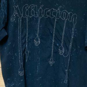 Affliction chain aplique skulls t shirt SZ XL EUC